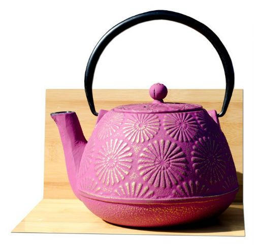 KIKU cast iron tea pot kettle 1.2L Mulberry on gold colour Tetsubin Japanese style GOTO®